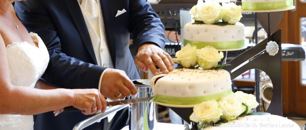 lustige Hochzeitsspiele Brautpaar Spiele Hochzeit Goldene